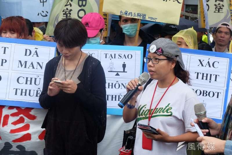 2017-11-20-勞團赴立法院抗議勞基法修惡,移工代表。(謝孟穎攝)