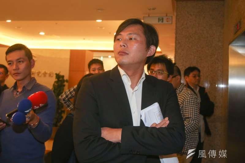 作者認為,立委黃國昌地方經營不利是他被罷免的原因。(陳明仁攝)