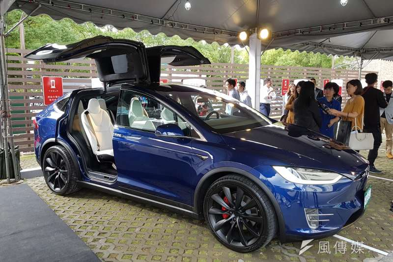 Tesla全台第五座超級充電站於新竹科學園區正式啟用。(圖/方詠騰攝)