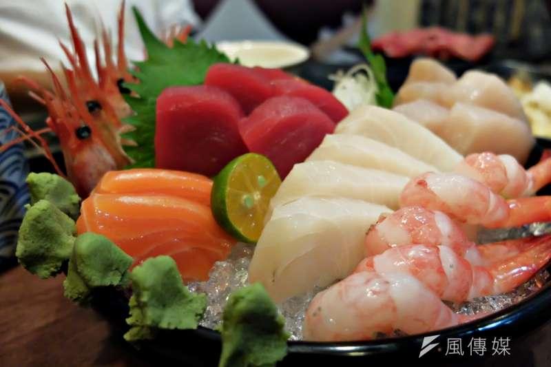 日本迴轉壽司店推出諧音哏活動,許多人用上一生僅3次機會改名「鮭魚」,名字最長在新北市達36字。示意圖。(資料照,謝孟穎攝)