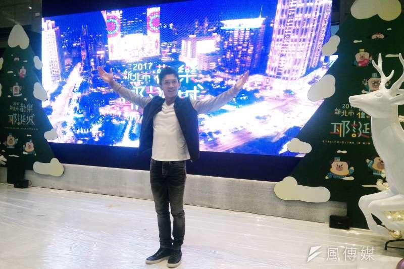 「2017新北市歡樂耶誕城」廣告片主角黃尚禾現身耶誕城,分享拍攝影片的感覺就是「我們一起!」暖暖陪你過耶誕。(圖/許芳綸攝)