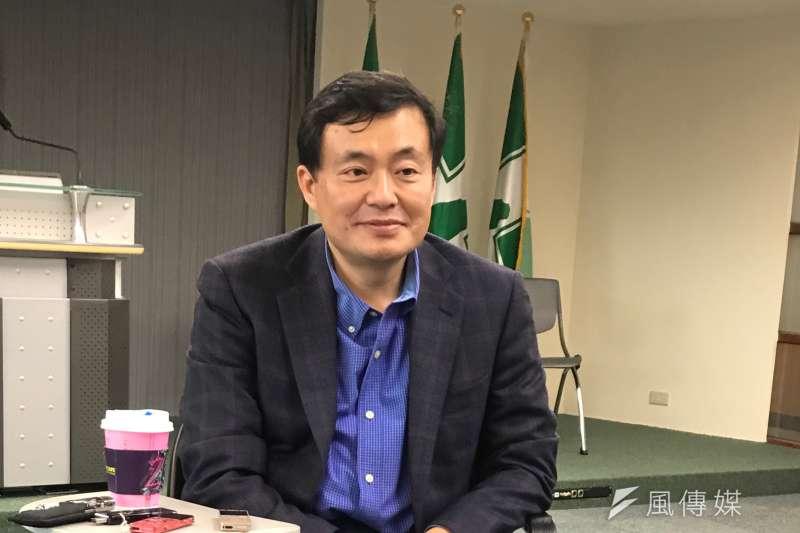民進黨秘書長洪耀福則認丁守中雖宣布參選台北市長,但「丁守中是悲劇人物」。(顏振凱攝)