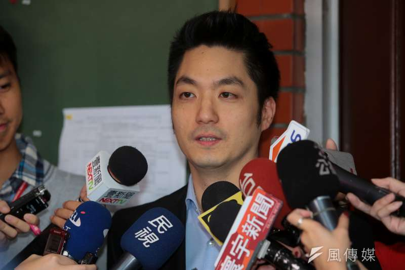 20171124-國民黨立委蔣萬安24日出席國民黨團大會接受媒體聯訪。(顏麟宇攝)