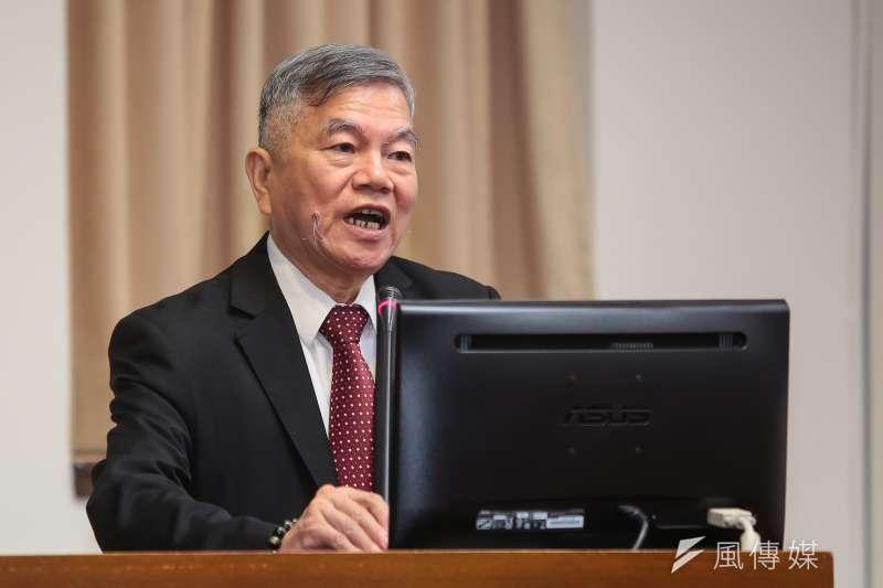 經濟部長沈榮津表示,電力系統不能說減煤就減煤,表示再減量「要用什麼發電?」(資料照,顏麟宇攝)