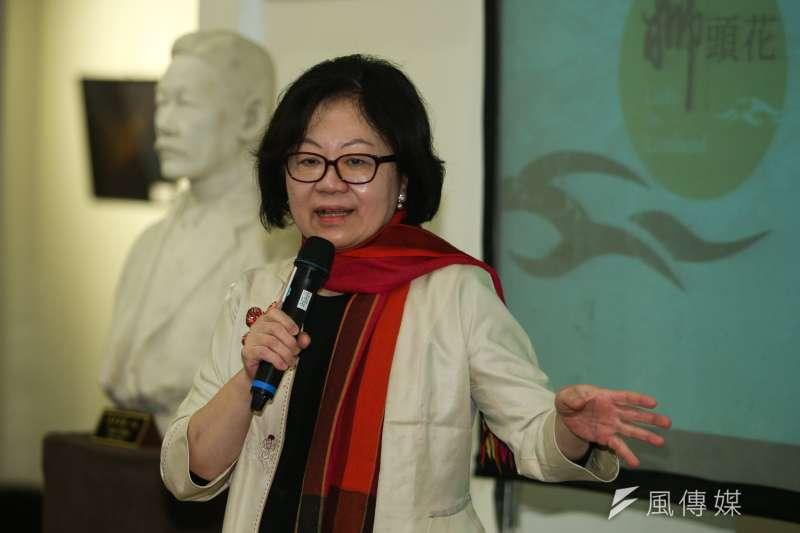 公視董事長,陳郁秀,出席陳耀昌「獅頭花」新書發表會。(陳明仁攝)