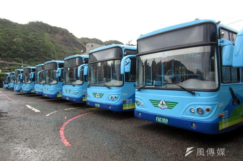基市公車處儘量買低地板公車,汰舊換新。(圖/張毅攝)