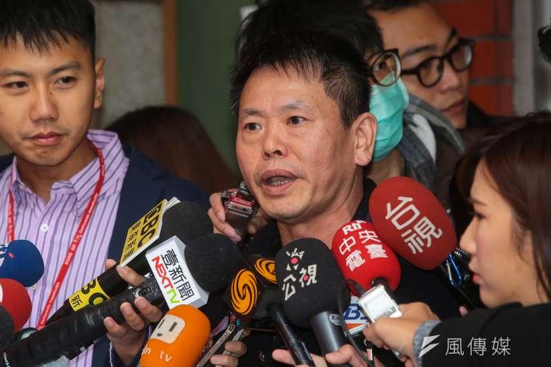國民黨書記長林為洲8日於黨團大會後接受媒體聯訪,並表示,國民黨不是要擋公投法,提案是為了抗議民進黨近來霸道的行徑。(顏麟宇攝)