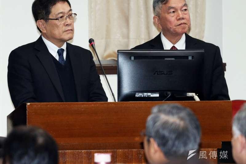 2017-12-11-立法院經濟委員會,經濟部長沈榮津(右)、台電董事長楊偉甫(左)。(蘇仲泓攝)
