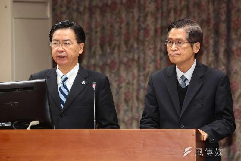 內閣將小幅改組,總統府秘書長吳釗燮(左)可望留任、國安會秘書長嚴德發(右)將轉任國防部長。(資料照片,顏麟宇攝)
