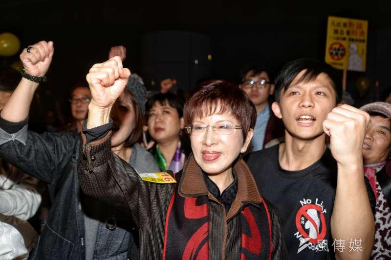 國民黨去年交出政權後,前國民黨主席洪秀柱一肩扛起,吸引不少黨內年輕人一起打選戰,但近期這些年輕人紛紛離開,有的是其他候選人借將。(資料照片,甘岱民攝)