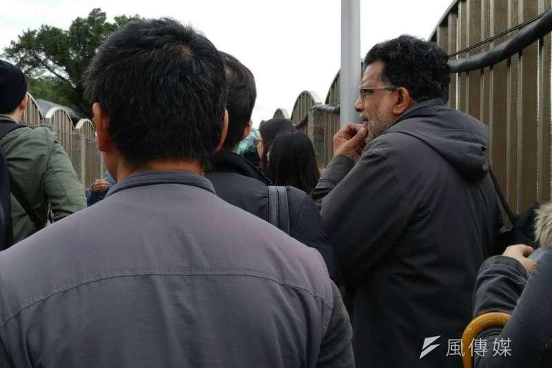 年初曾來台的兩公約國際審查委員、前聯合國居住權特別報告員Miloon Kothari今也來到現場聲援。(趙宥寧攝)