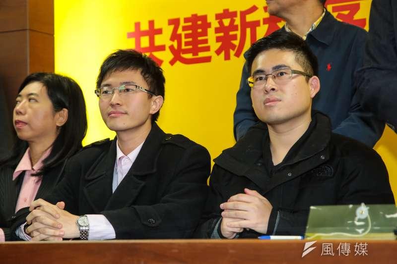 驚恐18.5小時後,侯漢廷、王炳忠今宣布參選。(顏麟宇攝)