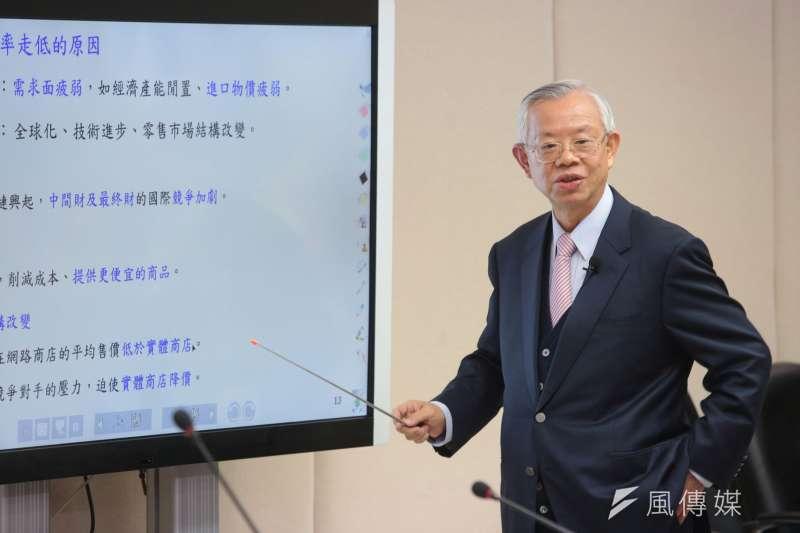 中央銀行總裁彭淮南21日主持任內最後一次理監事會,依然宣布利率維持連6凍,保持適度寬鬆的貨幣政策。(顏麟宇攝)