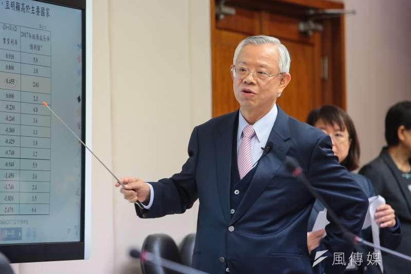 央行總裁彭淮南主持任內最後一場例行會議,會議中有數位理監事就降息的可能性發表看法。(資料照,顏麟宇攝)
