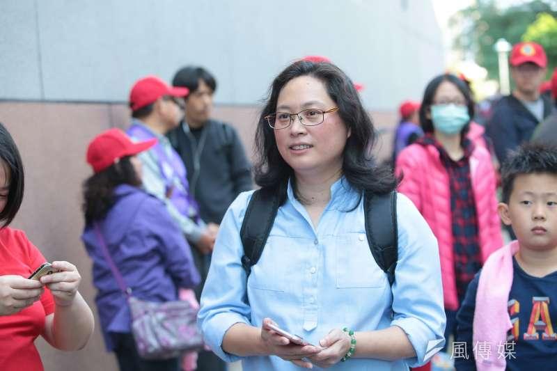 勞團23日號召「反勞基法修惡大遊行」,台北市勞動局長賴香伶出席聲援。(資料照,顏麟宇攝)