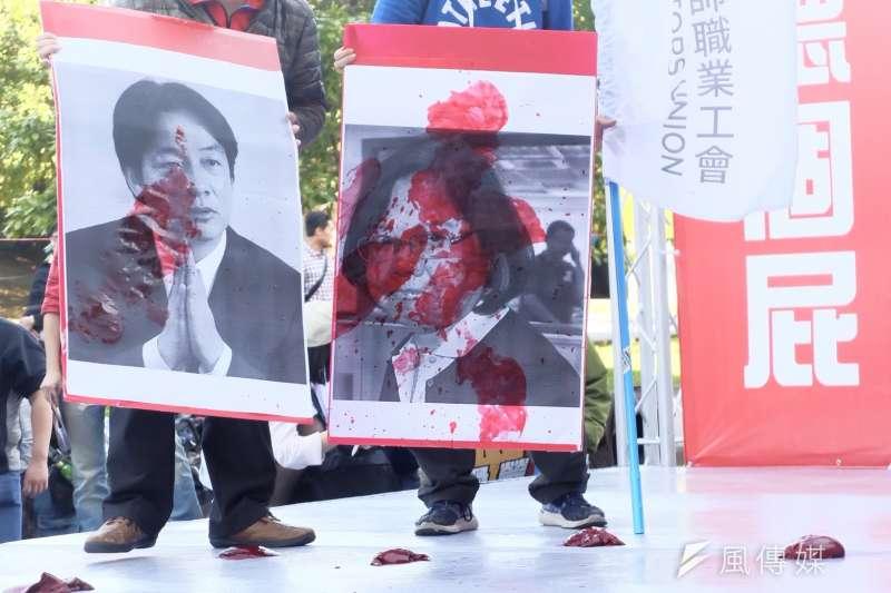 20171223-勞團抗議勞基法休法、一例一休、輪班間隔。(謝孟穎攝)