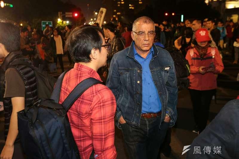 20171223-突尼西亞人權協會副主席Messaoud ROMDHANI(梅沙悟德‧荷穆達尼)也前往勞工大遊行現場。(顏麟宇攝)