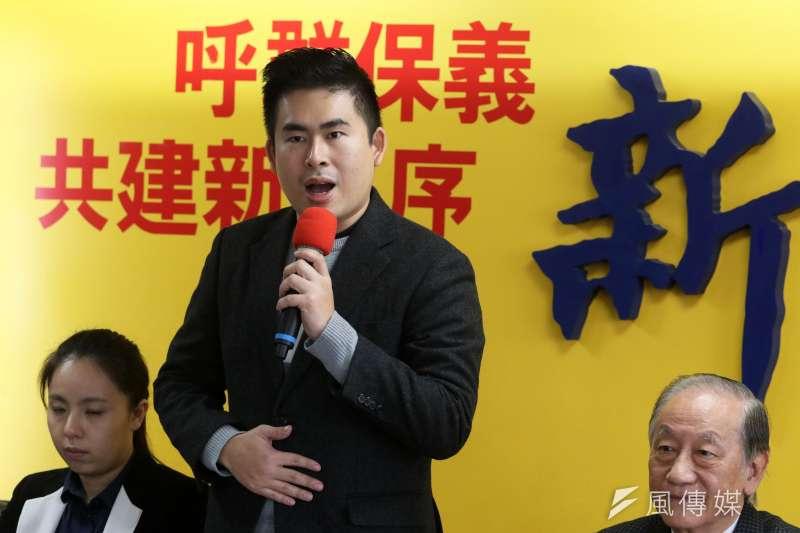 新黨宣布將成立「新黨服務委員會」,與中共中央台辦部門對接,服務兩岸同胞。圖為新黨發言人王炳忠。(蘇仲泓攝)