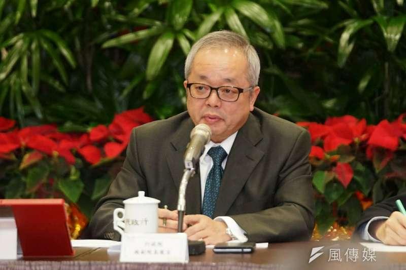 行政院副院長施俊吉日前表示,基本工資3萬未來4年到6年可以達標。(資料照,盧逸峰攝)