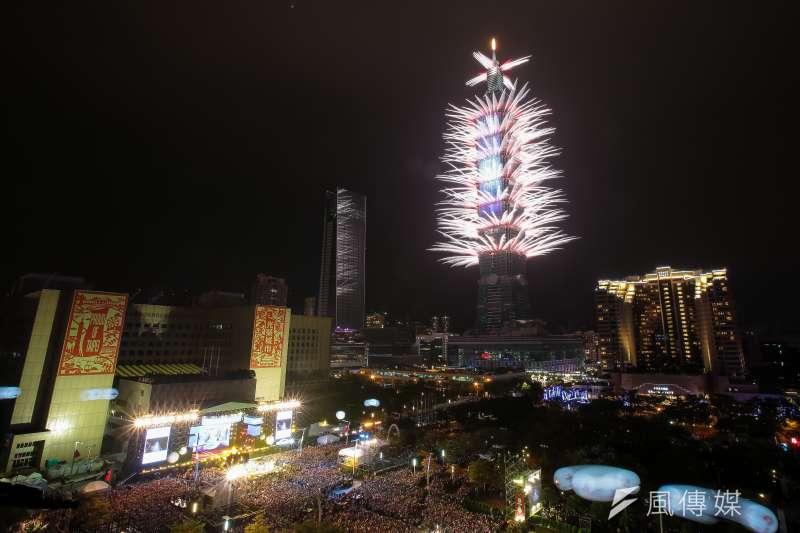 台北101跨年煙火。(顏麟宇攝)