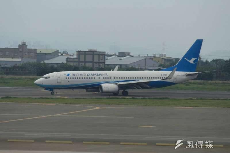 飛行M503航線的四家民航機,圖為廈門航空。(方炳超攝)