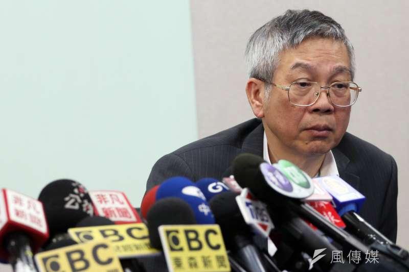 20180116-台灣東洋公司下午召開記者會,前行政院長,同時也是該公司新任董事長的林全,在總經理蕭英鈞陪同下,與媒體見面。圖為蕭英鈞。(蘇仲泓攝)