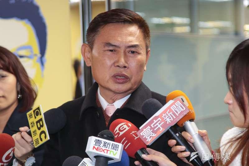 20180117-台南市長參選人李俊毅17日至民進黨中央黨部登記參選。(顏麟宇攝)