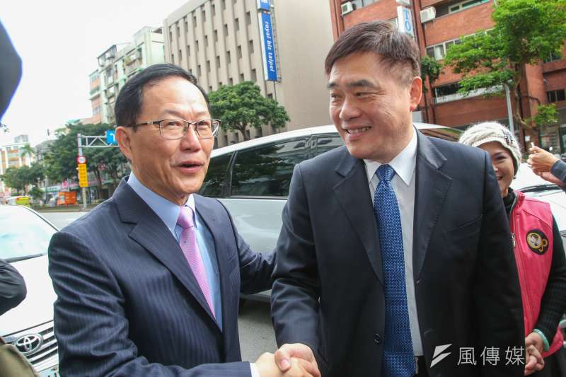 丁守中21日舉辦競選台北市長辦公室啟用茶會,國民黨副主席郝龍斌也前來致賀。(陳明仁攝)