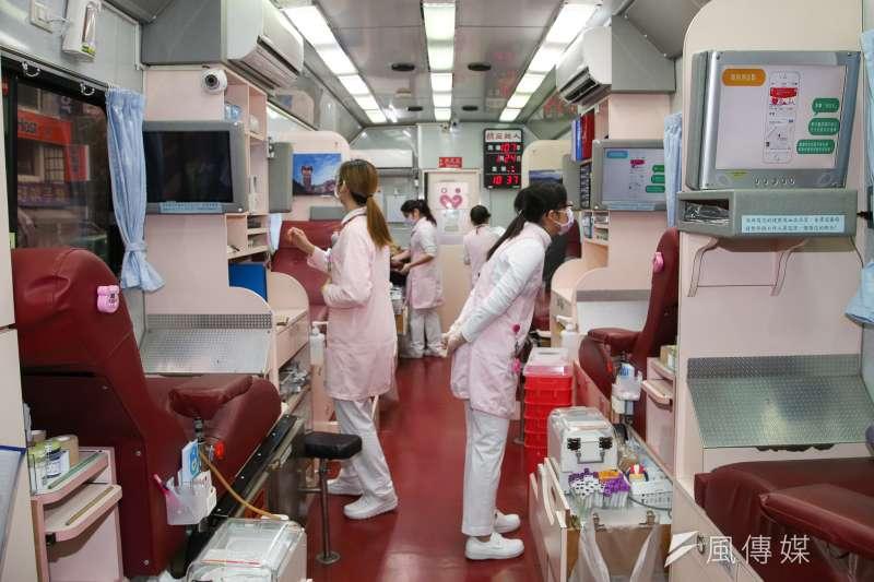 風數據,捐血專題配圖,台灣捐血率常年居全球之冠,捐血車,捐血即景。(陳明仁攝)