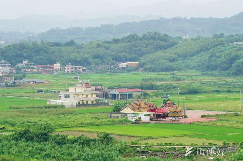 作者認為,近幾十年來台灣農業產值的GDP占比都不到2%,但卻仍將大量、珍貴的土地資源用法律指定為農地,保留為農用,導致會產生許多弊端。(資料照,盧逸峰攝)