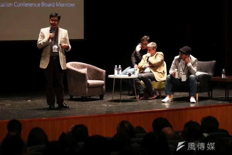 20180125-「自學教父」陳怡光(左起)、《學習如何學習》的套書作者Jérôme Saltet、「雜學校」校長蘇仰志晚間出席「想像力奪權 思辨之夜」活動,並於會中分享。(蘇仲泓攝)