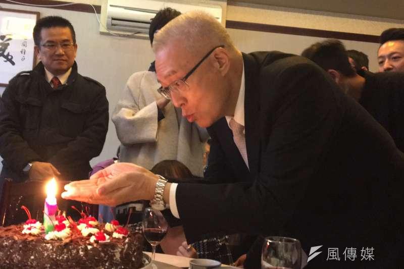 國民黨主席吳敦義29日提前慶祝70歲生日。(羅暐智攝)