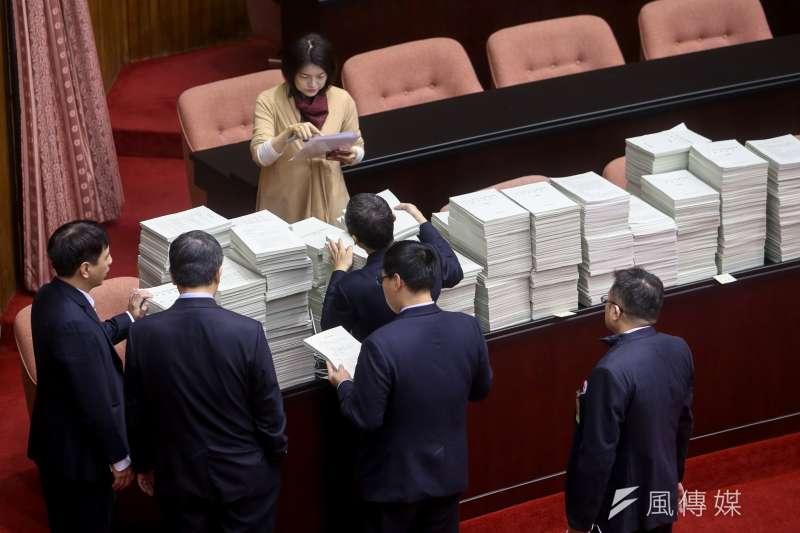 立法院院會,處理中央政府總預算。(陳明仁攝)