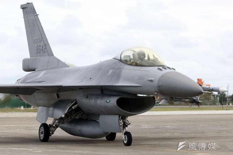 1997年國軍向美國採購150架F-16戰機,至今已為空軍服務超過20個年頭。(資料照,蘇仲泓攝)