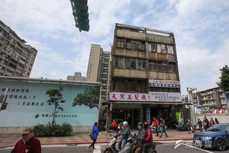 在台北市購屋所需要負擔的房價壓力較大,許多35歲以下的年輕購屋族群若想在台北市買房,老公寓是唯一選擇。示意圖。(資料照,陳明仁攝)