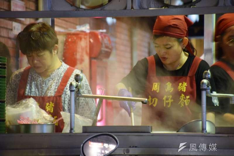 蘆洲夜市的美食仍保留食物的最佳傳統風味,絕對值得尋覓晚餐或宵夜的你走一遭。(圖/翁芊儒攝)