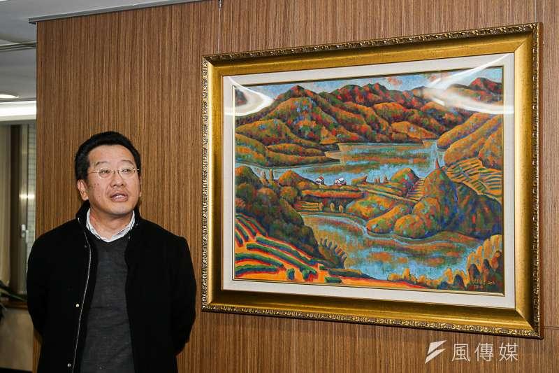 顧立雄轉任金管會主委後,這幾幅畫跟著他進到了主委辦公室。(陳明仁攝)