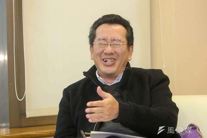 金管會主委顧立雄坦言,2004年總統大選擔任扁呂律師團發言人,是他人生的重要轉折。(陳明仁攝)