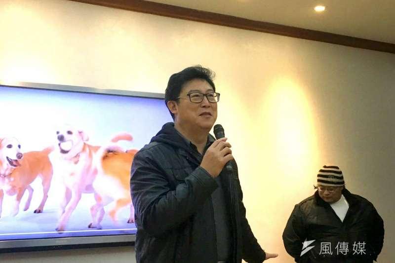 民進黨立委姚文智上午舉行「台灣『犬』勝」新年賀歲影片發表會。(周思宇攝)