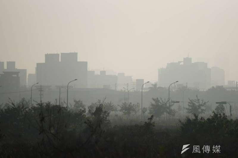 20180227-空氣污染、空污、PM2.5、紫爆、空汙。(盧逸峰攝)