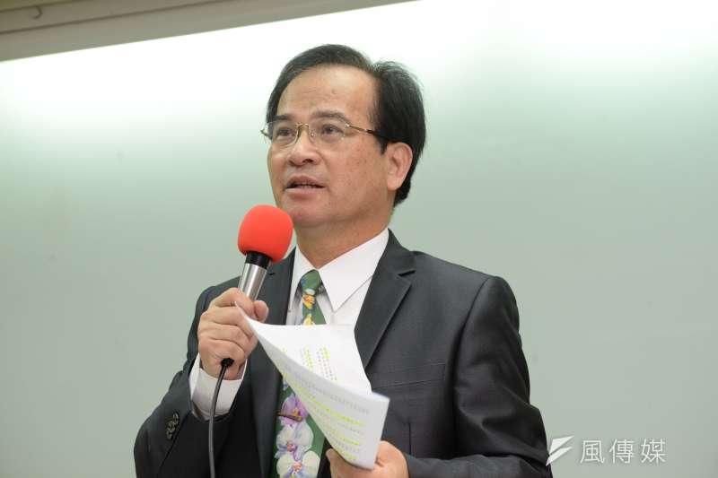 民主進步黨籍的前台南縣長蘇煥智宣布「退黨」參選台北市長。(甘岱民攝)