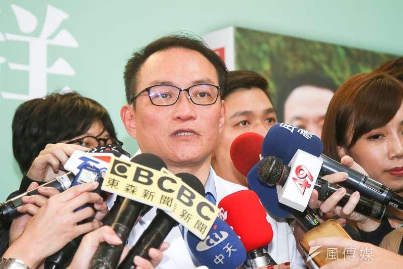 前台北市副市長邱文祥4日舉辦新書發表會。(陳明仁攝)