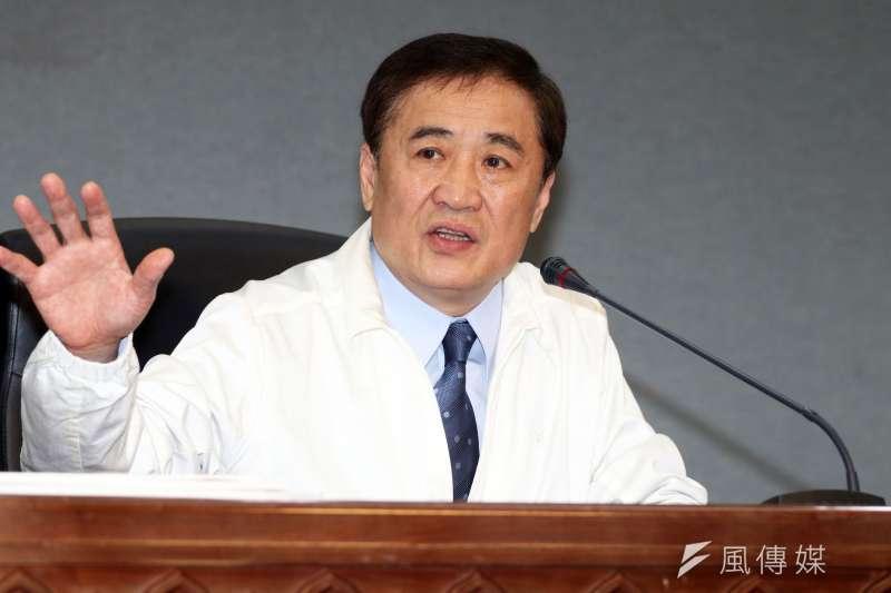20180307-台北市副市長陳景峻下午召開記者會,針對台北市果菜批發市場8日開市的因應措施,提出說明。(蘇仲泓攝)