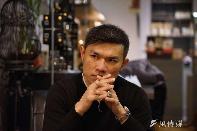 20180307-作家臥斧專訪。(盧逸峰攝)