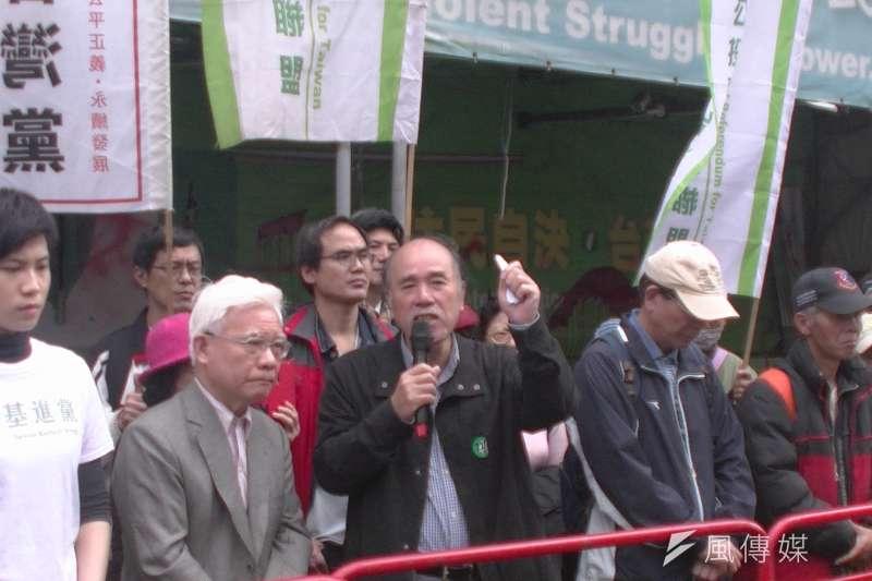 台灣北社今(9)日召開的記者會,被獨派人士闖入抗議,自由台灣黨主席蔡丁貴甚至遭人狂噴生髮劑。(資料照,公投盟提供)