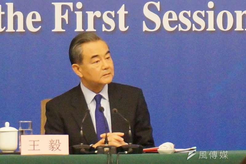 中國外交部長王毅8日上午,在人大記者會上表示,同唯一合法代表中國的中華人民共和國政府,建立國家關係,這是大勢所趨,而且勢不可擋。(王彥喬攝)