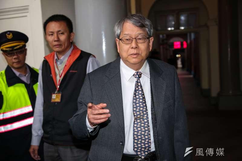 監委陳師孟為被提名的促轉會主委黃煌雄叫屈。(顏麟宇攝)