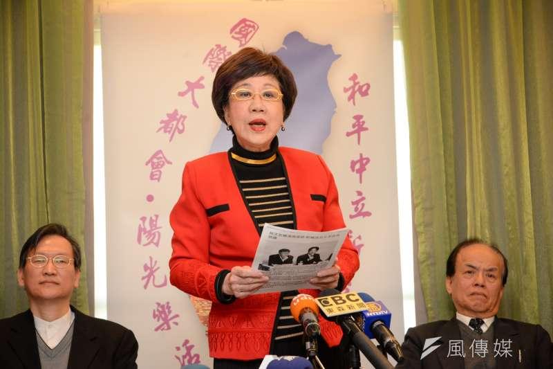 呂秀蓮表示,「他們可能跟政務委員唐鳳談,也可以跟明星林志玲談,他們就是不跟我談。」(資料照,甘岱民攝)