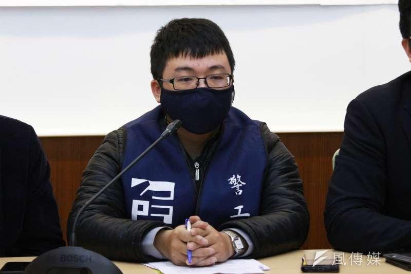 20180323-台灣警察工作權益推動協會召開「加班無上限 人力用免錢」記者會,警工會代表出席。(陳韡誌攝)