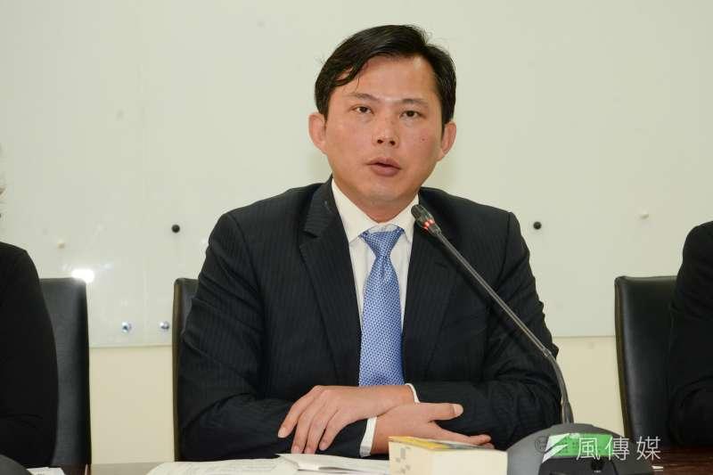 綠黨市議員王浩宇爆料,時代力量黨工涉毒卻慘遭時力切割,對此時力表示,目前先將他停職待後續調查。圖為時代力量主席黃國昌。(資料照,甘岱民攝)